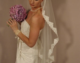 """Mantilla wedding veil. Mantilla bridal veil. Mantill circular 42"""" bridal veil"""