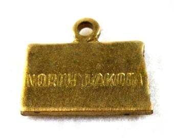 6x Brass Engraved North Dakota State Charms - M057-ND