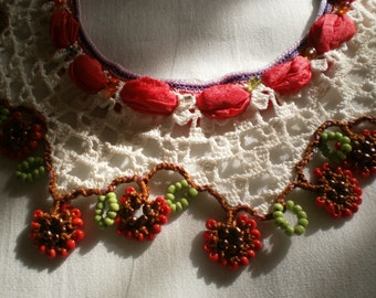 Red Floral Beaded Lace Necklace - Traditional Turkish Oya