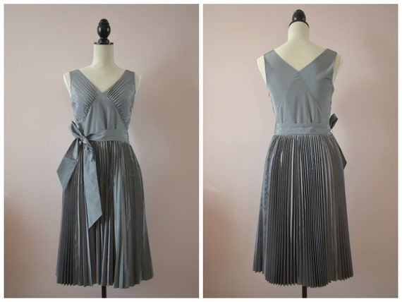 1990s banana republic dove grey pleated dress small 4 6 for Banana republic wedding dresses