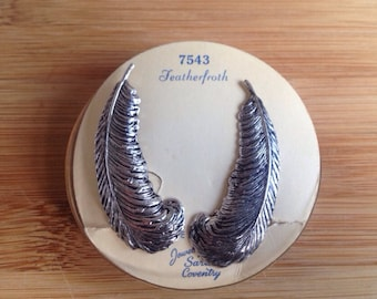 Vintage Retro Feather Earrings
