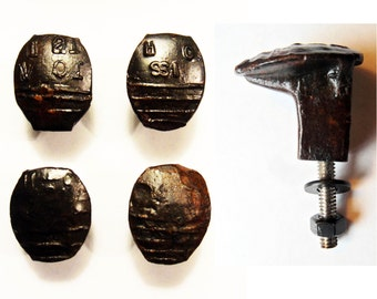 Free Shipping 4 Railroad Spike Knobs Door Pulls Cupboard Dresser Drawer Handle Replacement Set Hand Made Vintage Antique Rustic Re-purposed