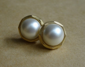 Faux Pearl Post Earrings, Fake Pearl Button Earrings, Pearl Button Post Earrings, Vintage Pearl Button Earrings, Gold and Pearl Earrings