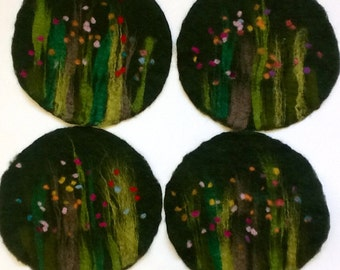 felt placemat with grass and flowers, green
