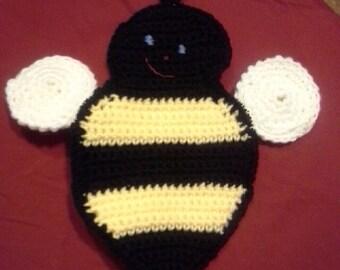 crocheted bumblebee pot holder