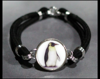 PENGUIN Aquatic Flightless Bird Dime Stretch Bracelet - One size fits most - Made In USA