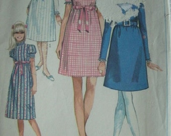 Juniors and Misses Dress in Two Lengths Size 14 Bust 36 Vintage 1968 Simplicity Pattern 7792 - UNCUT and Amazingly Cute!