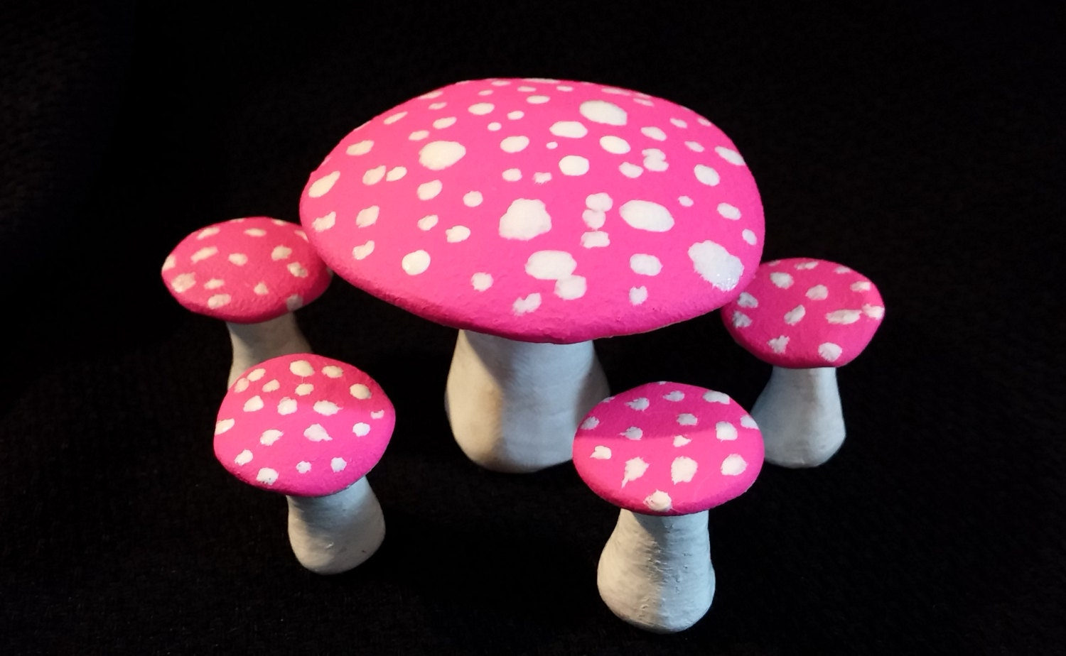 Fluorescent Pink Mushroom Fairy Furniture Table And Chair Set