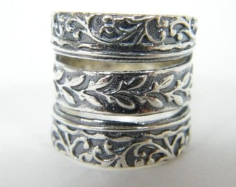 Elegant Sterling Silver Oxidized Decorated Ring