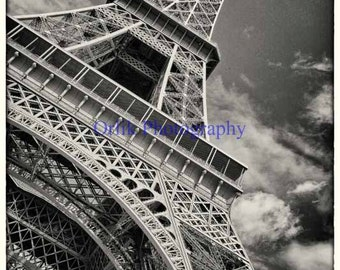 Eiffel Tower, black and white, detail 4