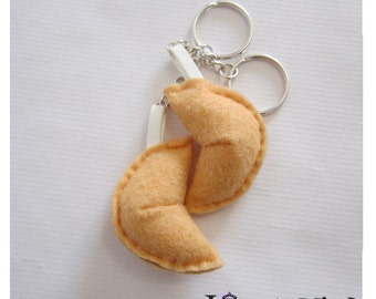 Fortune cookies keychains.