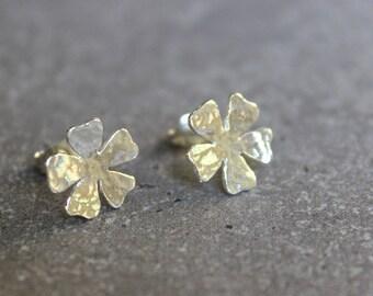Silver stud earrings, flower stud earrings, sterling earrings stud, flower ear studs, stud earings, post earrings