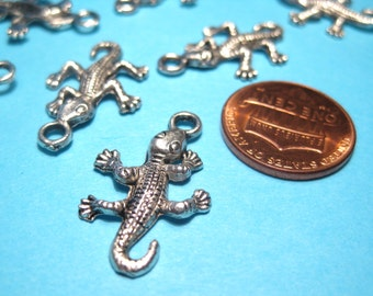 10pcs Antique Silver Crocodile Charms Pendants