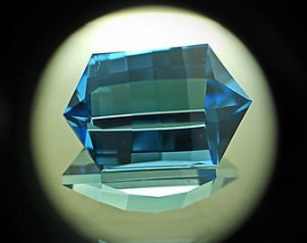 Blue Topaz | 9.35ct | Presicion Cut | Mirror type flash come through this unusual type of fancy checkerboard design.