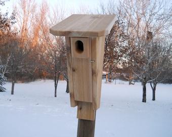 Outdoor Birdhouse - Bluebird House - Peterson Style Bluebird House - Cedar Birdhouse