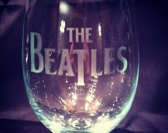 The Beatles wine glass perfect for music lovers!