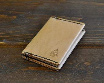 Leather Bifold Wallet / Card Holder / Handcrafted in Portland, Oregon