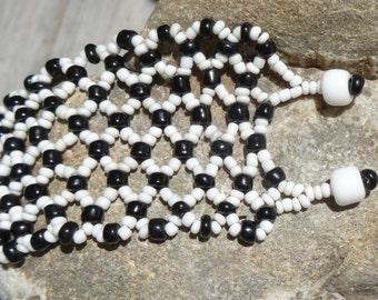 Cuff bracelet Black & White Beadwoven Netting stitch