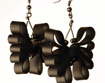 LICORICE BUTTERFLY. Hungarian upcycling jewellery made out of bike inner tube