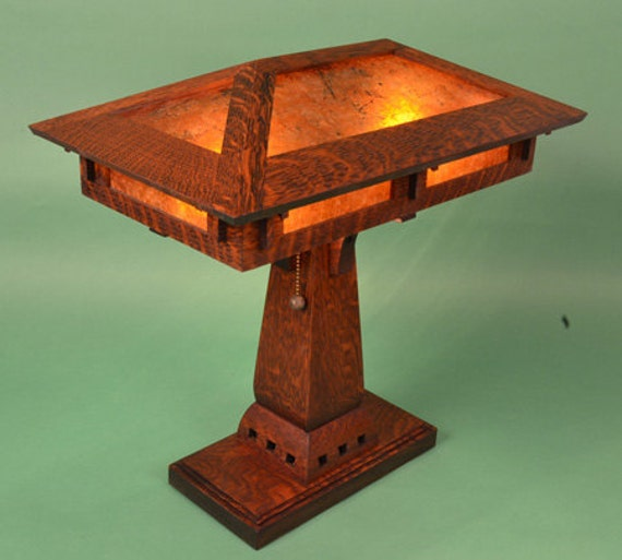 Arts And Crafts Mission Style Oak And Mica Table Lamp