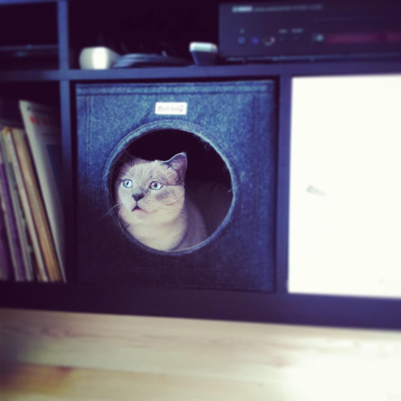 Felt cat cave fits into Ikea Expedit and Kallax felt cat bed