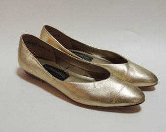 sweet little 80's METALLIC gold leather flats