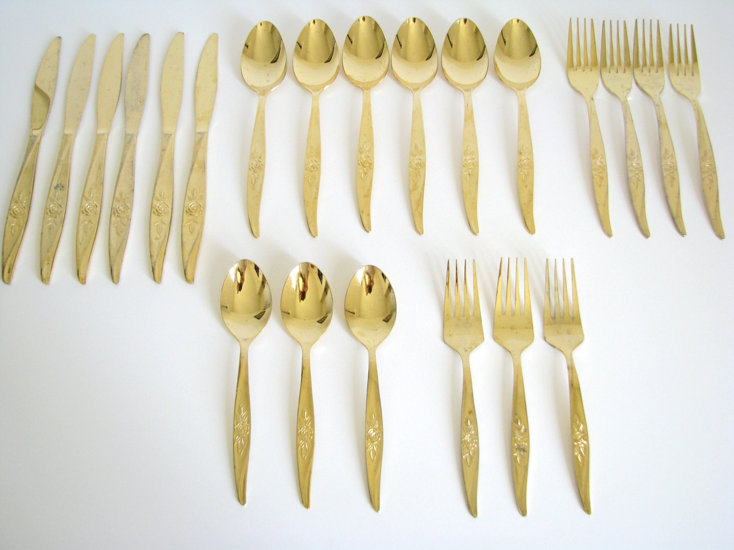 vintage gold flatware set rose floral pattern gold tone wash. Black Bedroom Furniture Sets. Home Design Ideas