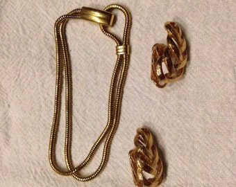 Vintage gold Avon Bracelet and Earring Set Costume Jewelry