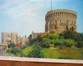 Windsor: The Norman Gate and Round Tower Unused Postcard.  Charles Skilton's Postcard Series.