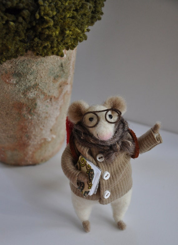 Little reader mouse professor going to school needle felted