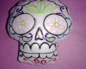 Day of the Dead Sugar Skull Pincushion, Dio de los Muertes, Skull Pincushion, Stuffed Sugar Skull, Sugar Skull Pincushion, Stuffed Skull