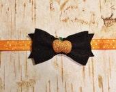 Halloween Headband, Baby girl, orange and black, Holiday headband, felt bow, glitter pumpkin