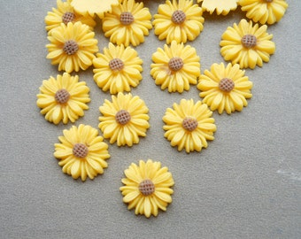 100pcs Yellow Color Resin Sunflower Charms--14mm
