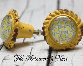 SET OF 6 YELLOW // drawer pulls // yellow knob // decorative knob // unique knob // yellow turquoise knob // dresser knob // cabinet knob //