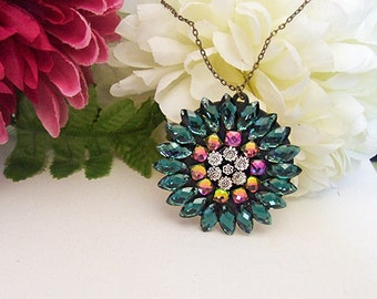 Emerald Green Rhinestone Swarovski Vitrail Flower Pendant Necklace