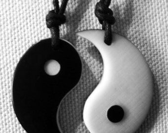 Yin Yang-Tao-double pendant in vegetable ivory