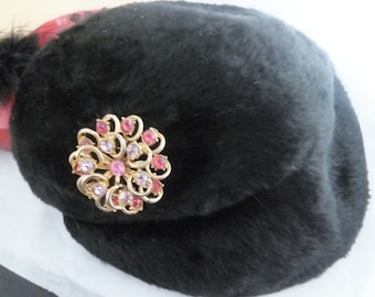Vintage Ladies Hat 1940s Black Wool Velvet Asymmetric Day hat with stunning brooch in pinks & purples Italian Base for Bambergers New Jersey