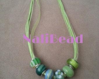 Green/white European lamp work beaded necklace