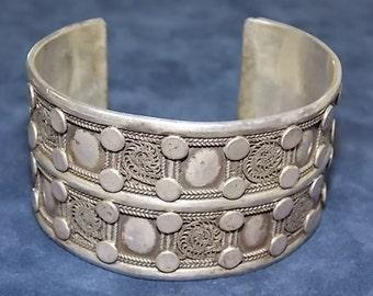 Antique Sterling Silver .925 Native American Cuff Bracelet  72.88g  #E587