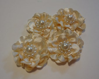 "Ivory satin flowers 3"" in diameter 10 pieces"