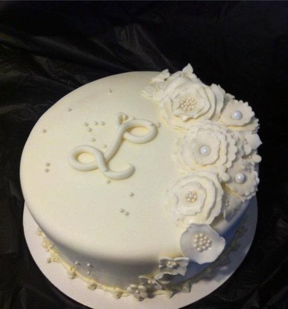 Cake Decorating Kits Fondant : Edible Fondant Cake Decorating Kit/ Flowers & Initial
