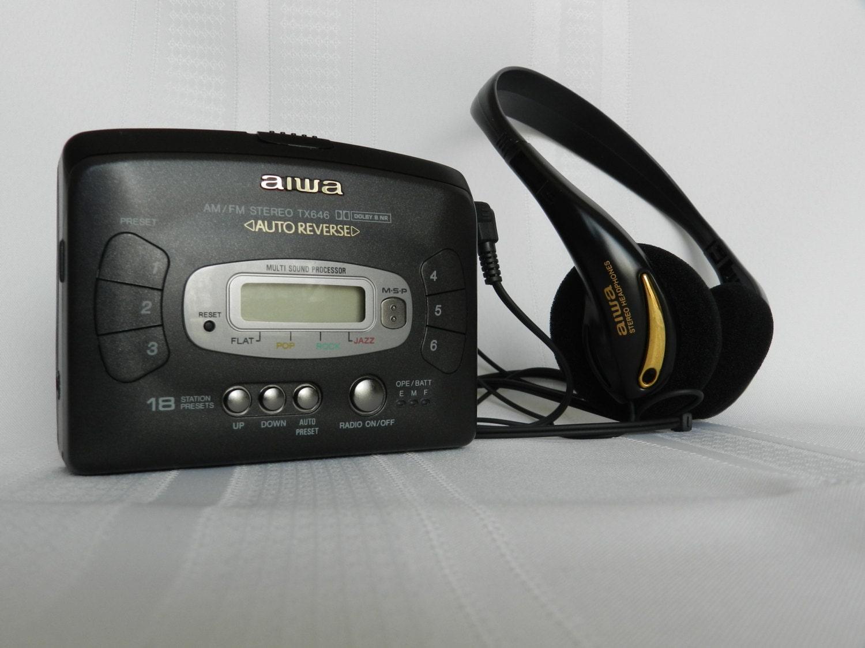 ann es 1980 vintage portable aiwa walkman lecteur cassette. Black Bedroom Furniture Sets. Home Design Ideas