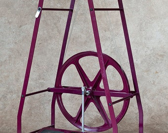 Columbine Spinning Wheel - Uniquely-designed spinning wheel wih lazy kate and three bobbins. Choice of colors. FREE SHIPPING to Lower 48