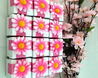 12 White Favor Boxes with Pink/White Daisies, Birthday, Party, Candy Holder