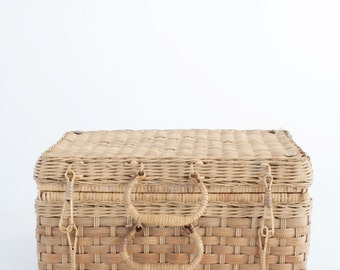 Newborn Prop Vintage Picnic Basket