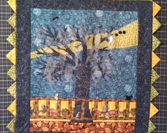 "Halloween haunted tree quilted wall hanging 30"" square"