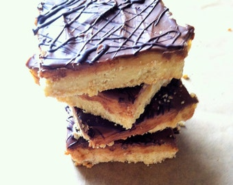 Caramel Shortbread (Box of 4 or 9 squares)