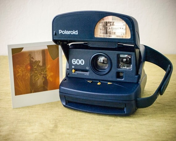 how to get a polaroid camera to work