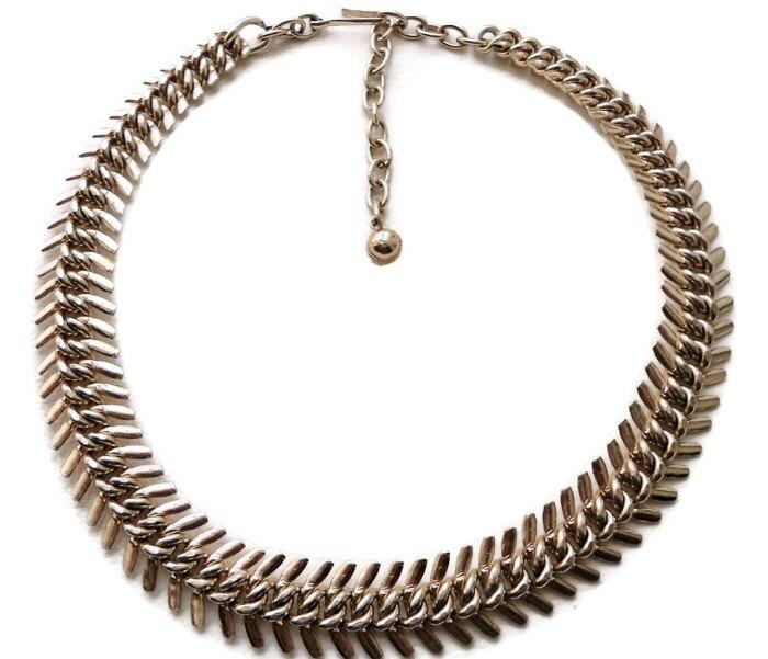Gold fish bone necklace 1960s jewelry haute juice for Fish bone necklace