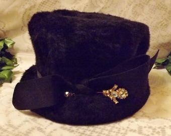 50s Oppenheim Collins Faux Fur Black Cloche Hat  Size 7 1/2 by Mystere